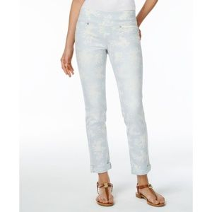 NEW Style & Co Light Blue Cropped Cuffed Jeans